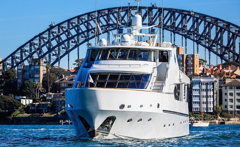 galaxy-yacht-sydney-harbour-bridge