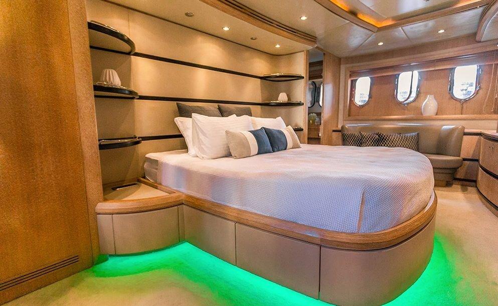 seven-star-yacht-sydney-4