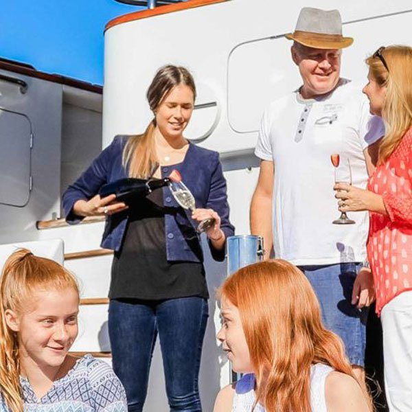 yacht charter cost mobile